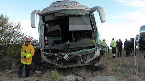 ¡Accidente de autobús de pasajeros en Fresnillo dejó 12 lesionados!