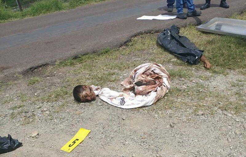 ¡Hallaron a 2 sujetos ejecutados y desmembrados en una carretera en Nochistlán, Zacatecas!