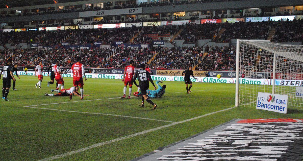 ¡Chivas le metió tres al Necaxa en el Estadio Victoria en Aguascalientes!