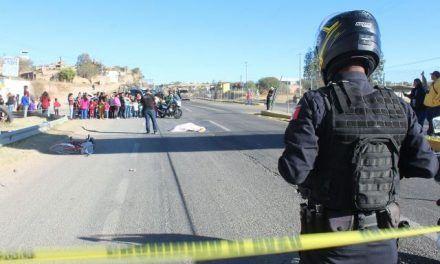 ¡Ciclista murió embestido por un automóvil conducido por un adolescente en Aguascalientes!