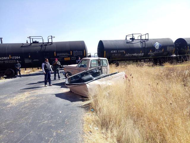 ¡Una camioneta chocó contra el tren en Lagos de Moreno: 5 muertos y 5 lesionados!