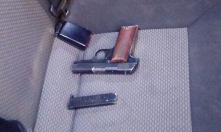 Detienen elementos de la SSPE  a tres personas con un arma de fuego