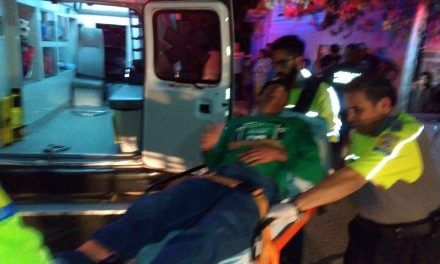 ¡Grave persona apuñalada en riña en la colonia Miravalle en Aguascalientes!