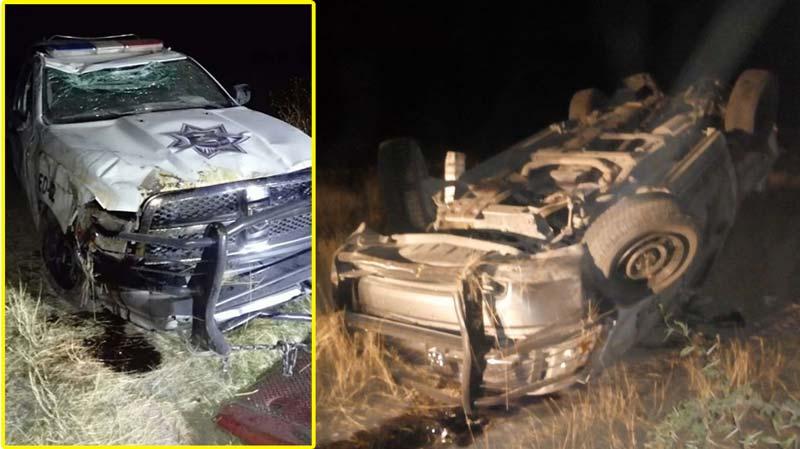 ¡Auto choca por alcance con patrulla, impacto provoca la volcadura de ambas en La Chona!