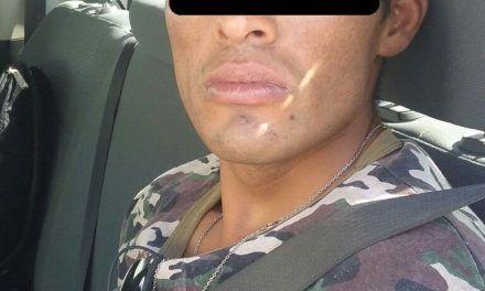 Detienen en Pabellón de Arteaga a agresivo sujeto en posesión de droga