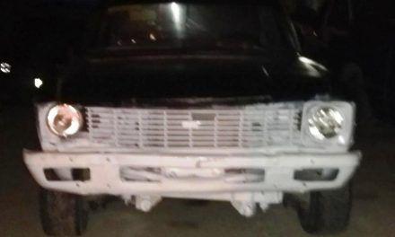 Detienen policías del Estado a sujeto que conducía una camioneta  con placas sobrepuestas