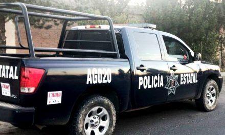 Detiene policía estatal a tres sujetos por robo de vehículo