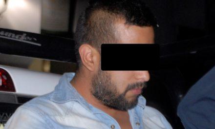 Aseguran elementos de la SSPE a un sujeto alcoholizado acusado de agredir a una mujer