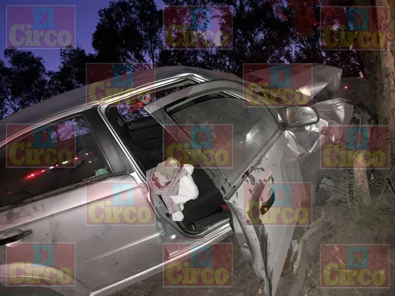 ¡Familia de Aguascalientes lesionada tras fuerte choque en Lagos de Moreno!