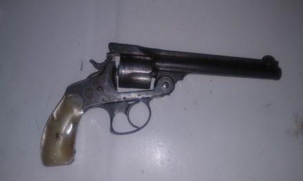 Detienen en Rincón de Romos a tres sujetos  con droga y armas