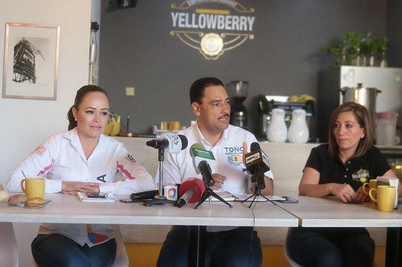 ¡Legislar para la economía es trabajar para reducir la pobreza en Aguascalientes, afirma Martha González!