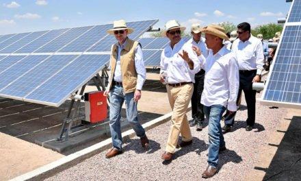 ¡Entregan celdas fotovoltaicas al Campus Sur de la UAA y firman acuerdo para impulsar reserva natural!