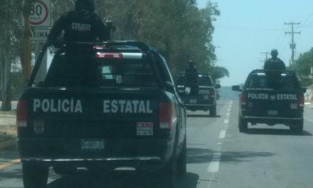 Rescatan elementos de la SSPE y de la Policía Municipal de Jesús María a una familia en el cerro del Picacho