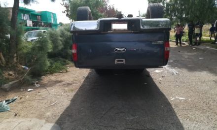 Se registró volcadura en Rincón de Romos