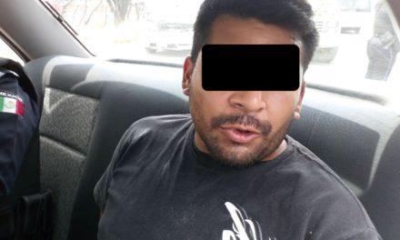 Elementos de la SSPE detuvieron a sujeto que escondía droga en el motor de su automóvil