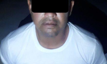 Detienen en San Francisco de los Romo a sujeto armado,  en posesión de droga y con 25 mil pesos en efectivo