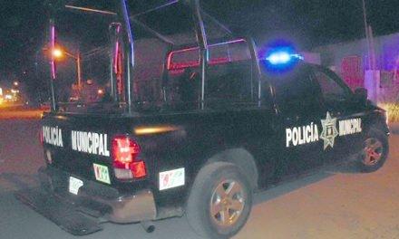 Se atendió un reporte de una volcadura de un vehículo que fue abandonado