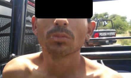 Fue asegurado en Rincón de Romos presunto vendedor de droga por elementos de la SSPE