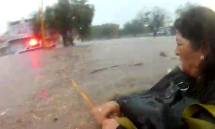 Brindan elementos de la SSPE apoyo a más de 80 personas durante las lluvias