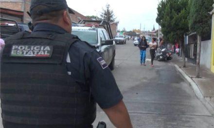 Fue sorprendido desvalijando un vehículo y detenido en el fraccionamiento Insurgentes
