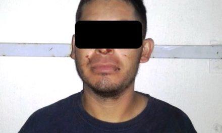 Fue reportado por agredir a su pareja sentimental y detenido en Pabellón de Arteaga