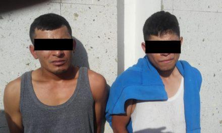Detienen elementos de la SSPE a tres personas acusadas de asaltar una gasolinera