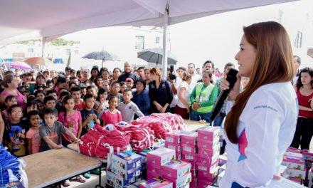 ¡Tere Jiménez cumple: Más de 100 mil apoyos escolares para las familias de Aguascalientes!