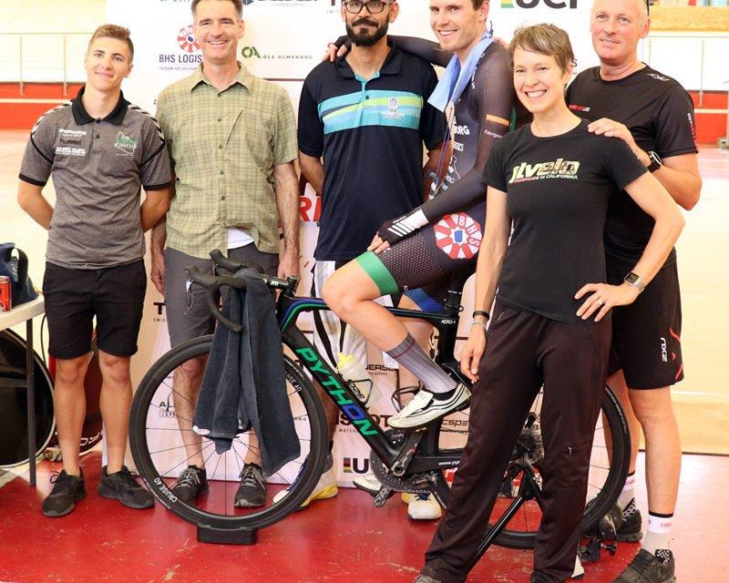 El ciclista danés Toft Madsen superó la marca mundial de La Hora en Aguascalientes!