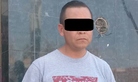 Conducía un vehículo con placas de circulación apócrifa y fue detenido en Pabellón de Arteaga