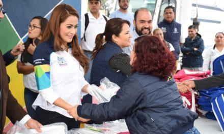 ¡Tere Jiménez se suma al esfuerzo de trabajadores de limpia en beneficio de la educación de sus hijos!