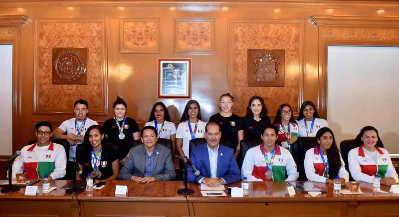 ¡Reconoce el Gobernador a atletas que compitieron en los Juegos Centroamericanos y del Caribe!
