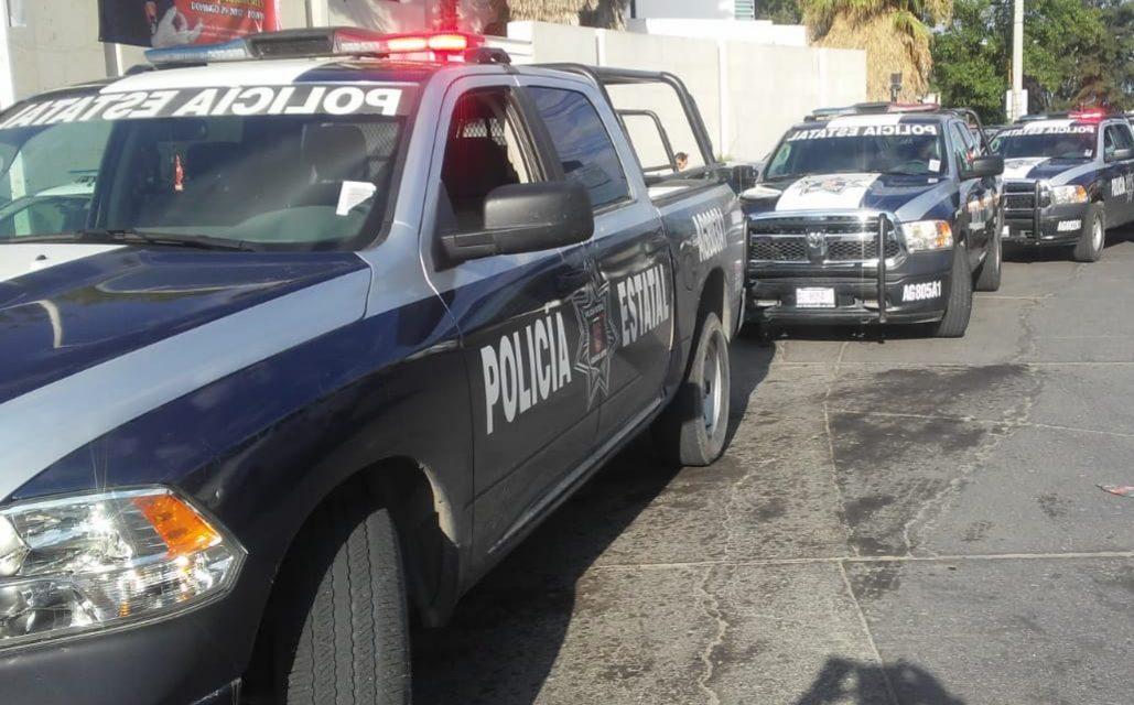 Detienen en San José de Gracia a sujeto que conducía una camioneta con placas de Michoacán en la que se encontró droga