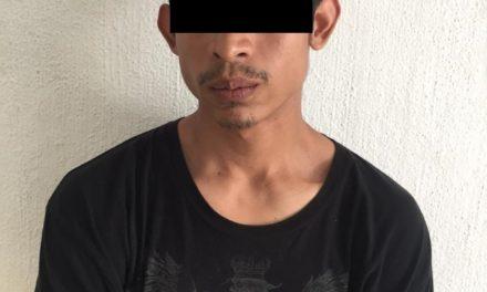 Cuenta con dos órdenes de aprehensión por el delito de lesiones y fue detenido en Rincón de Romos