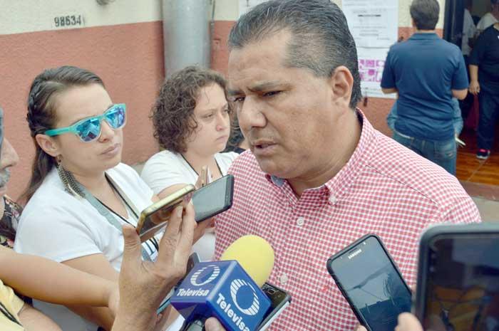 ¡Teresa Jiménez realizó su fiesta de XV años en lugar de presentar un verdadero Informe de Gobierno!