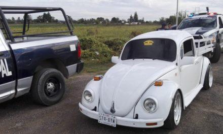 Detienen en Tepezalá a un individuo que conducía un Volkswagen con placas sobrepuestas
