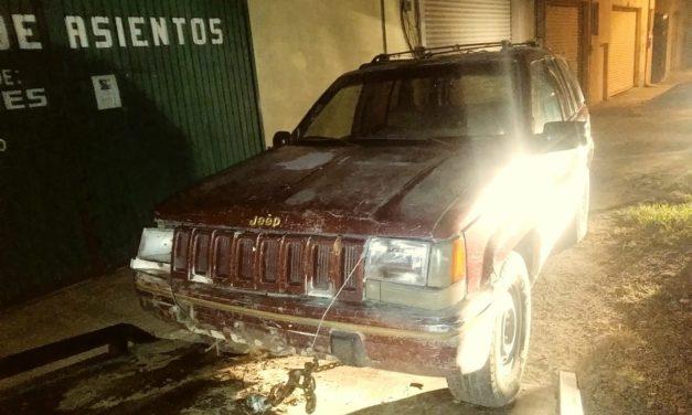 Conducía vehículo con placas sobrepuestas y fue detenido en el municipio de Asientos