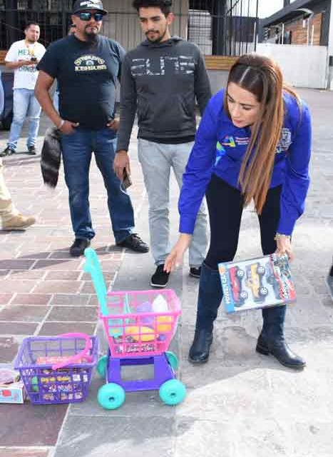 ¡Tere Jiménez contribuye a formar sonrisas en la niñez del Corazón de México!