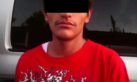 Debido a que llevaba entre sus pertenencias droga, fue detenido en Rincón de Romos