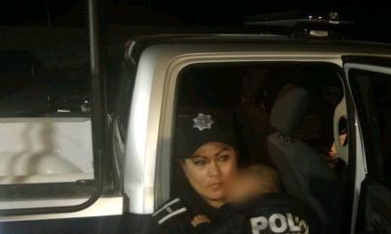 Atienden policías reporte de menor abandonado por su progenitora