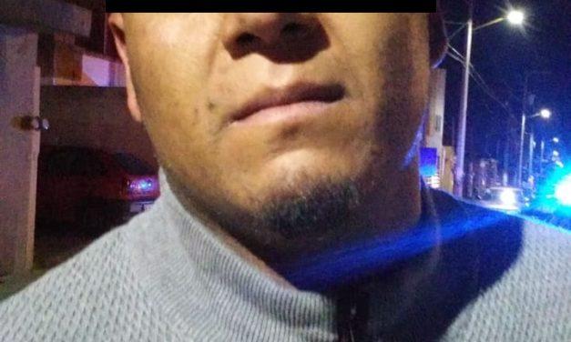 En San Francisco de los Romo tres sujetos fueron detenidos en posesión de droga y un arma