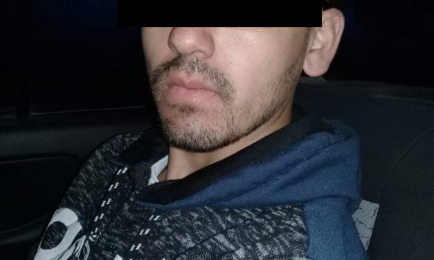 Un individuo que conducía un vehículo con reporte de robo, fue detenido en San Francisco de los Romo