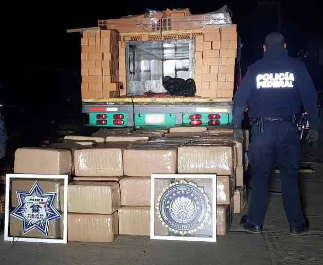 ¡Policía Federal asegura mil 240 kilos de marihuana oculta entre ladrillos en Zacatecas!