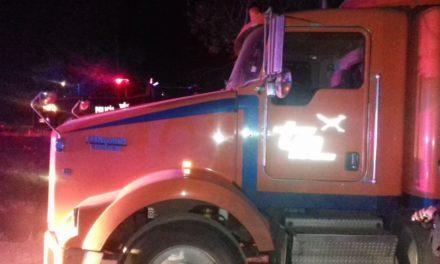 En Jesús María, fue recuperado tracto camión reportado como robado
