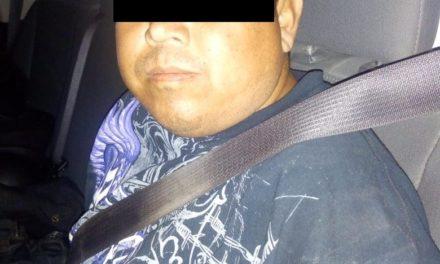 Conducía una motocicleta con alteraciones en el número de serie así como una placa hecha de papel por lo que fue detenido en Pabellón de Arteaga
