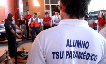 Coadyuvan elementos de Bomberos del Estado en preparación de nuevos paramédicos y personal de protección civil