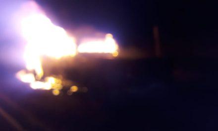 Fueron sofocadas las llamas de una camioneta Titán en el municipio de El Llano