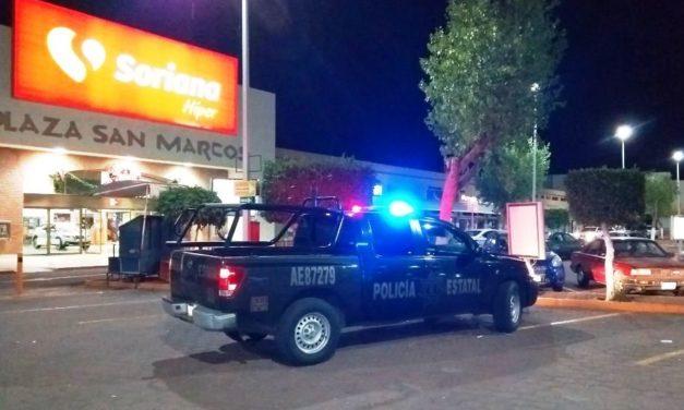 Mujer conducía vehículo con reporte de robo y fue detenido en Plaza San Marcos