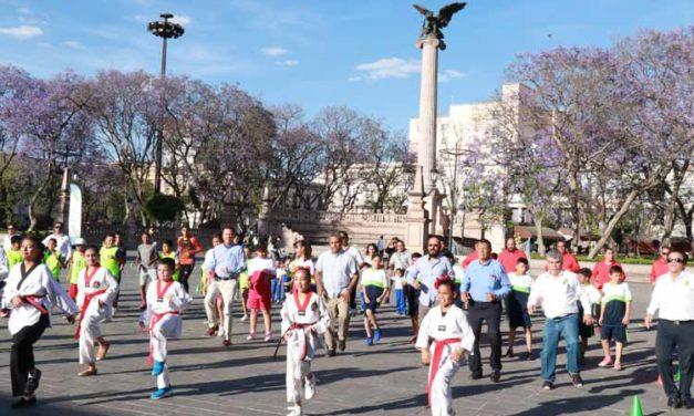 ¡Alumnos, padres de familia y docentes participan en Semana Nacional de la Cultura Física y Deporte!