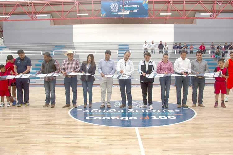 ¡Entrega el Gobernador del Estado proyectos de obras pública para beneficio de las familias de Rincón de Romos!