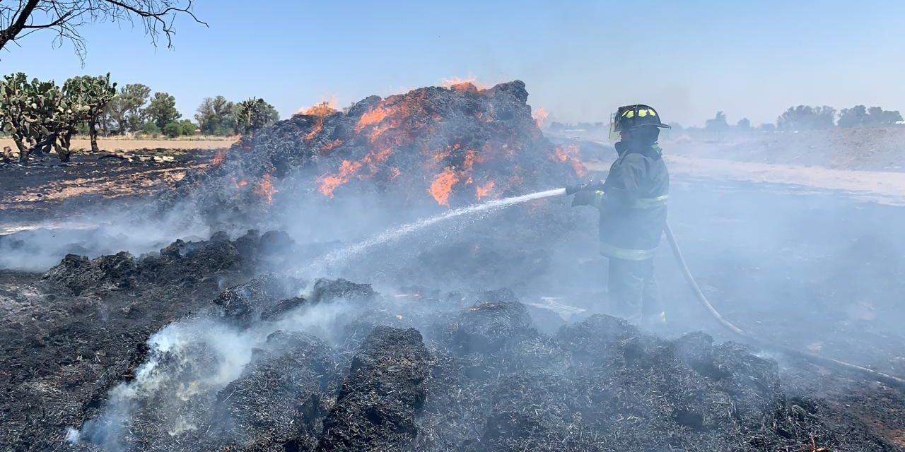 Bomberos sofocaron incendio registrado en una granja ubicada en el municipio de Pabellón de Arteaga
